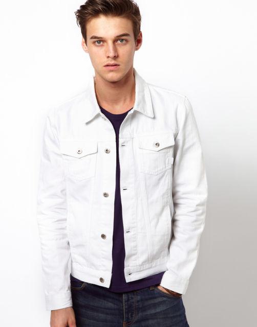 Modelo jeans que funciona bem como sobreposição