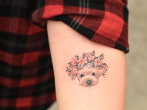 tattoo colorida e delicada