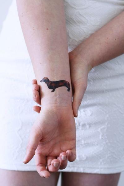 tattoo colorida no pulso