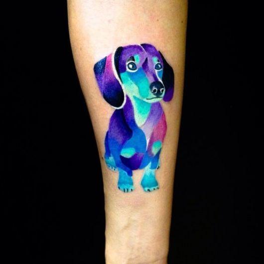 tatuagem colorida salsicha