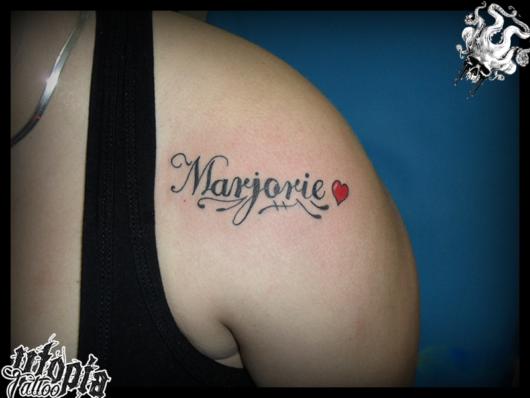 Essa é uma boa ideia para quem deseja fazer uma tatuagem com nome de esposa ou namorada
