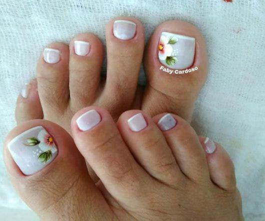 nail art com flores
