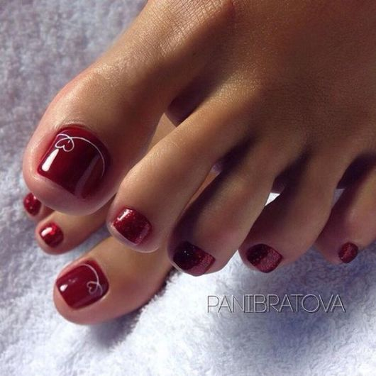 nail art simples vermelha