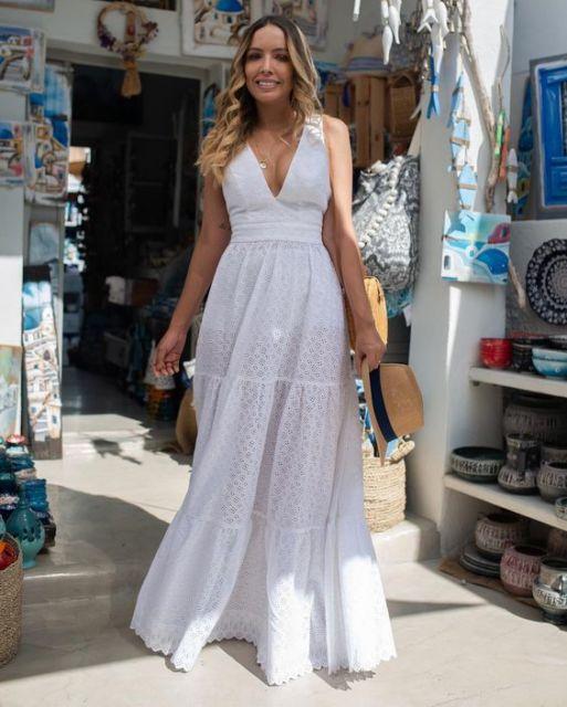 vestido branco com decote