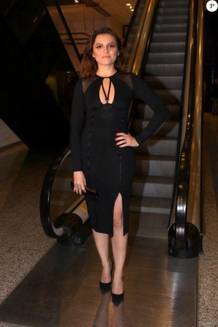 vestido com scarpin preto