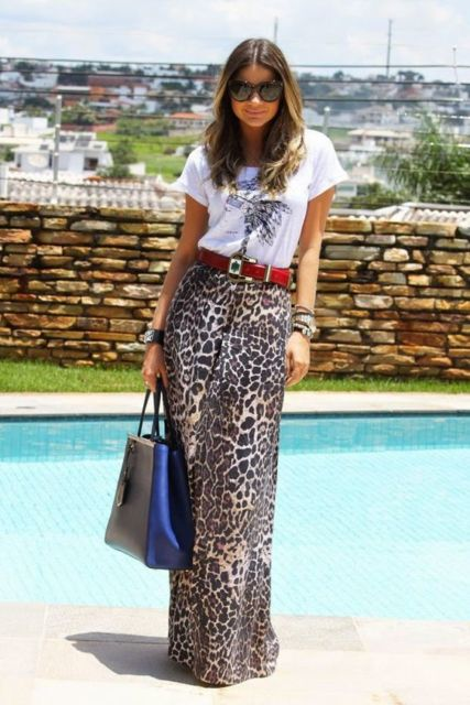 Saia longa com animal print.