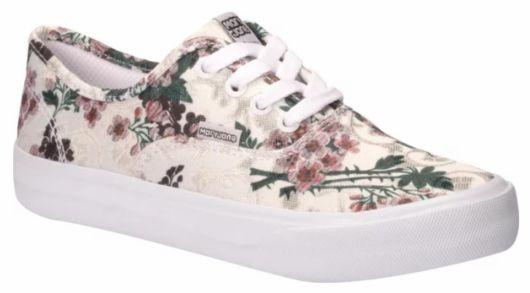 Tênis de skatista feminino floral.