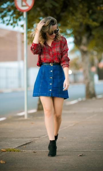 look com saia jeans de botões