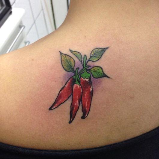 tatuagem com várias pimentas