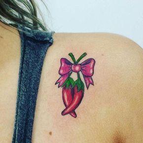 tatuagem pimenta com laço