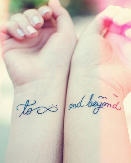 Em vez da palavra infinito, você pode tatuar o símbolo, para deixar o desenho ainda mais conceitual
