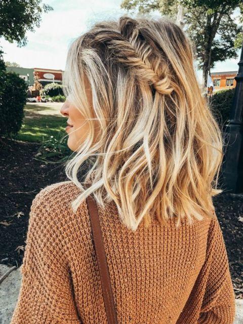 Tipos de trança: trança lateral em cabelo curto