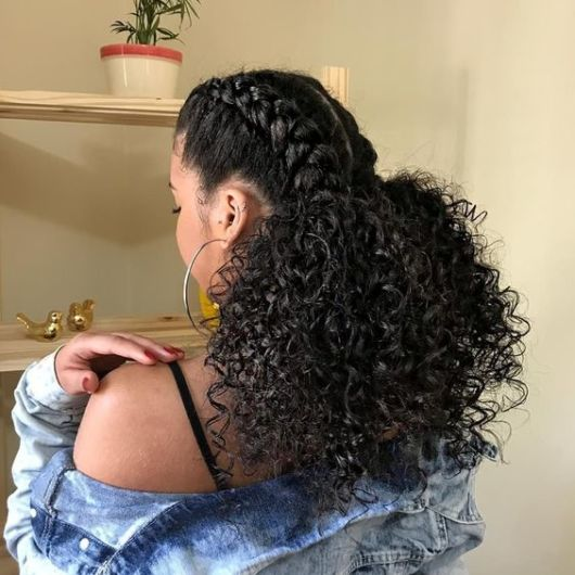 Tipos de trança: trança em cabelo cacheado