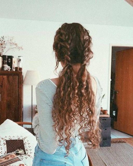 Tipos de trança: trança dupla em cabelo cacheado