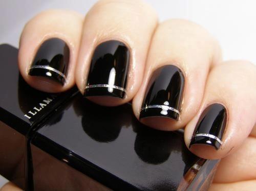 nail art com fita metálica prata