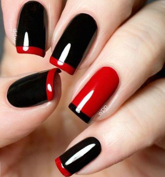 nail art preta e vermelha