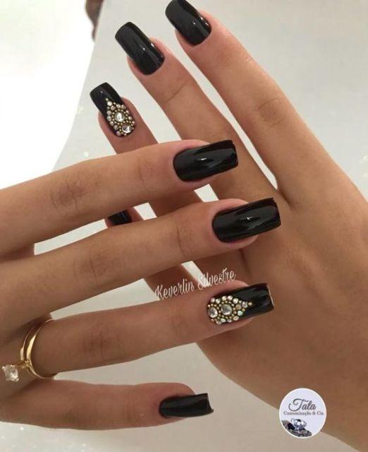 nail art com joias de unha