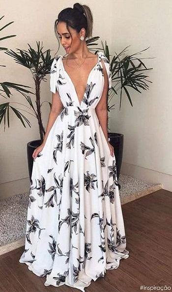 vestido com decote V