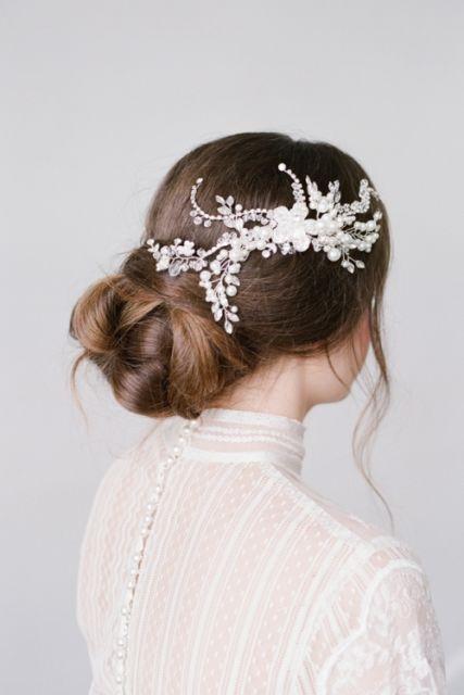 Arranjo de cabelo para noiva: com flores pequenas