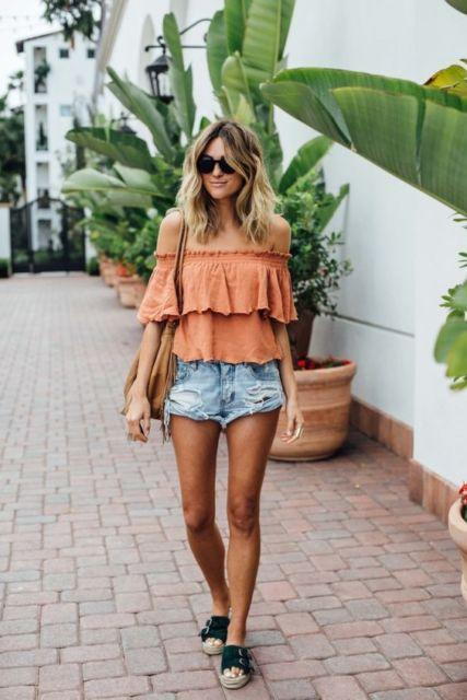 look verão com short jeans