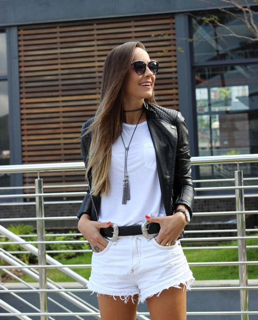 look short com jaqueta de couro