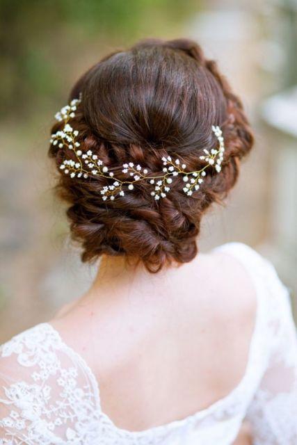 Enfeite de cabelo para noiva.