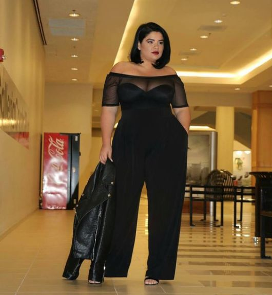 look plus size decote ombro a ombro