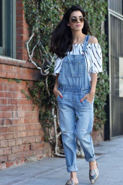 look feminino com macacão jeans