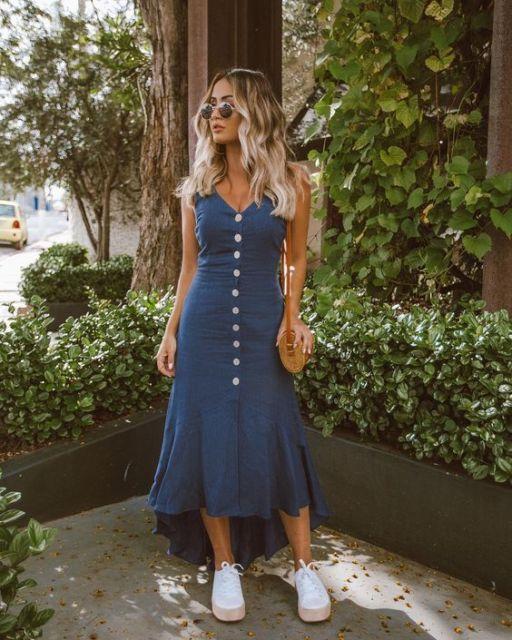 look vestido midi azul