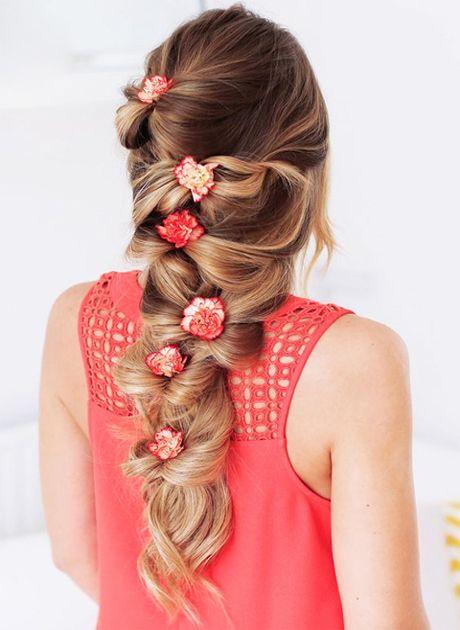 penteado com flores