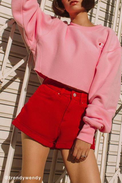 look vermelho e rosa