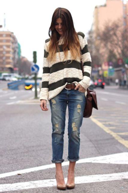 look com calça destroyed e suéter