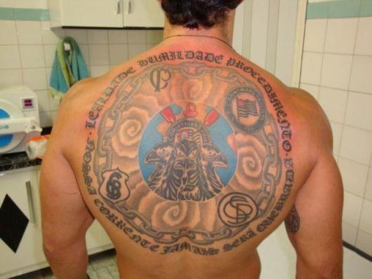 Um padrão impecável para quem deseja uma tattoo conceitual e única