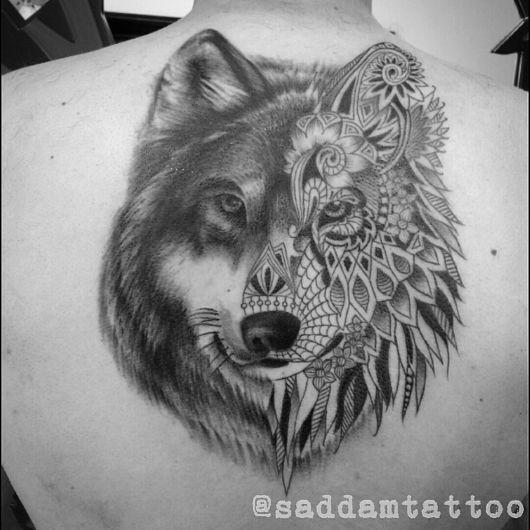 tatuagem realista de lobo