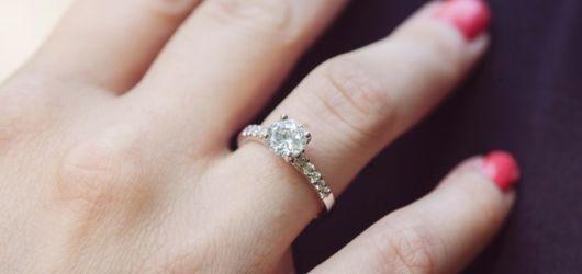 anel cravejado diamentes