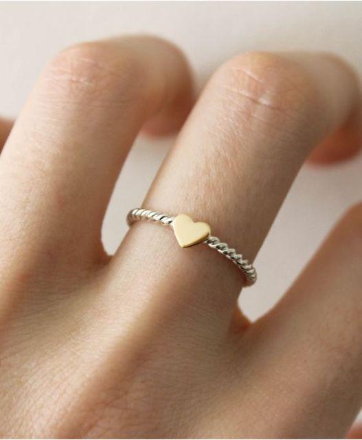 anel com aro torcido
