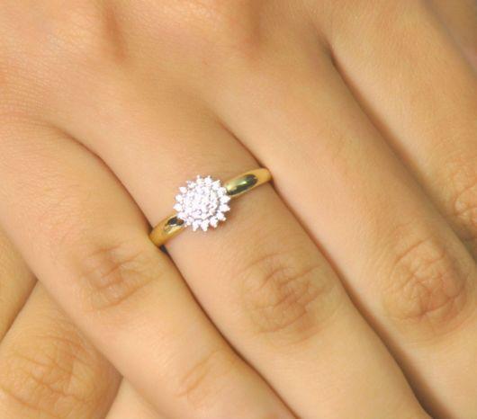 anel em ouro amarelo estilo chuveirinho
