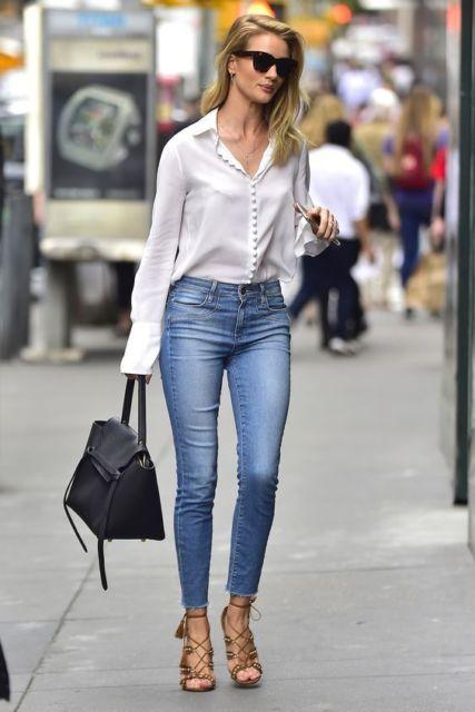 camisa branca com calça jeans