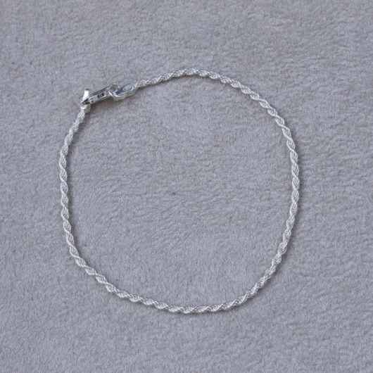 pulseira delicada trançada