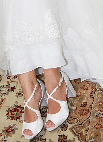 sapato branco com salto bloco