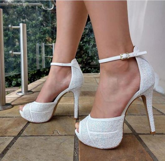 sapato branco com glitter