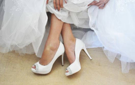sapato branco peep toe