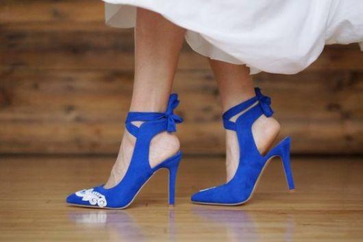 sapato azul noiva