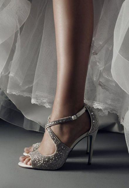 sandália com cristais