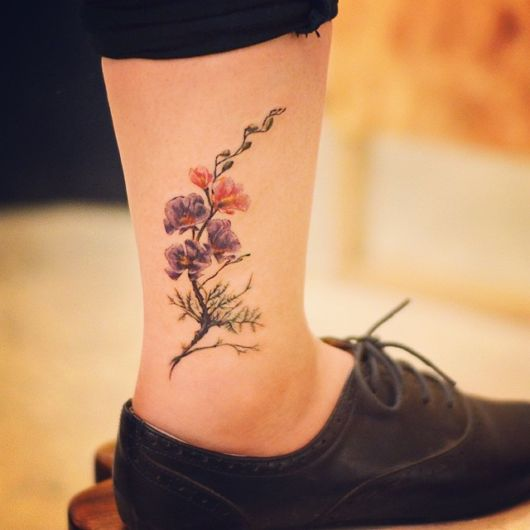 tatuagem na canela feminina