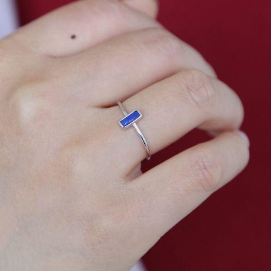 anel com pedra azul