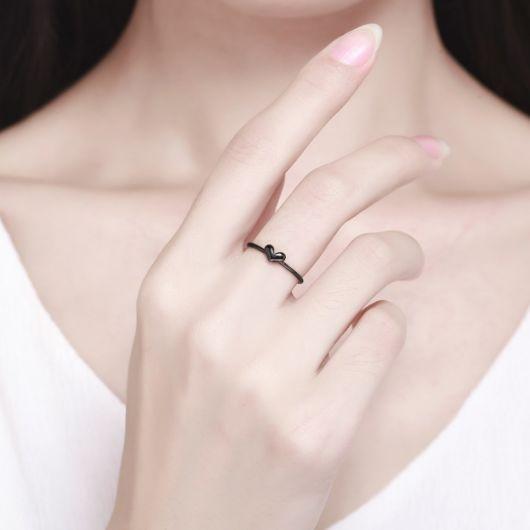 anel de rhodium negro