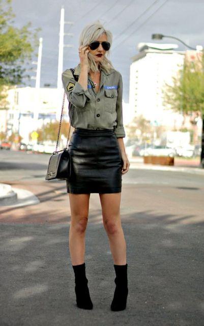 look com saia de couro preta