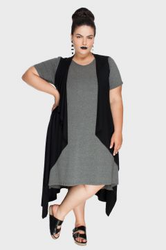 maxi colete plus size com vestido