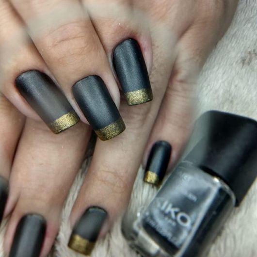 francesinha dourada com preto fosco